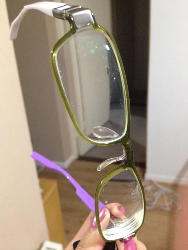 Wet PANTONE glasses with purple&White arm