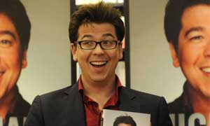 michael-mcintyre in glasses